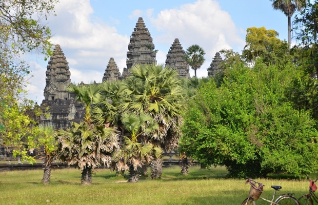 The Angkor Guide